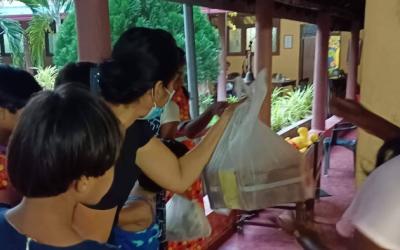 Donatie aan St.Ann's Mother Home